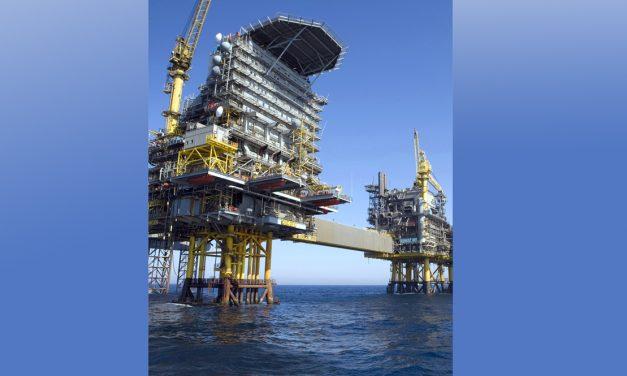 Olieindvinding på produktionsplatform